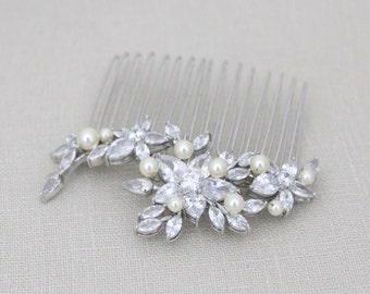 Bridal hair comb, Wedding headpiece, Pearl Wedding comb, Vintage style, Crystal hair comb, Bridal hair clip, Wedding hair accessory, LILY