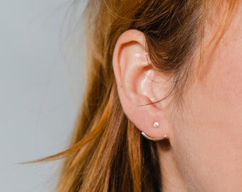 Dot earring with Curved Bar Jacket