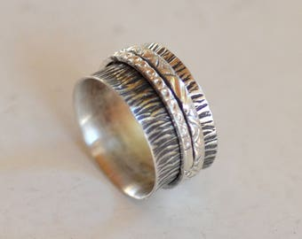 Spinner Band. Meditation Ring.  Hand Stamped Oxidized Silver Spinner with Double Band. Wedding Band. Silversmith. Size: 7.5