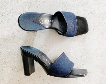 Vintage Shoes | CHANEL Mules Slides Sandals Heels Logo Monogram Blue Denim Chambray 90s | Size 40 EU / 9 - 9.5 US