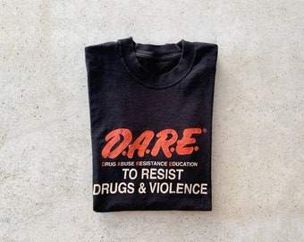 Vintage T-Shirt   DARE Pullover Top Shirt Faded Soft 80's Black Red   Size M