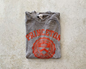 Vintage T-Shirt | PRINCETON University College Shirt Top Pullover Faded Distressed Gray Red | Size M