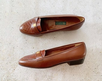 Vintage Shoes | GUCCI Loafers Leather Crest Logo 80s Brown Brand New | Size 39.5 EU / 8.5 - 9 US