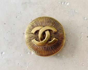 Vintage Brooch   CHANEL CC Logo Monogram Brooch Pin Jewelry Gold Designer