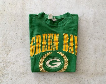 Vintage T-Shirt | PACKERS Green Bay Distressed Football NFL 80's Pullover Top Shirt Streetwear Green Yellow | Size M