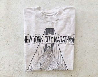 Vintage T-Shirt | NYC Marathon 80's City Urban Souvenir Shirt Gray Black | Size M
