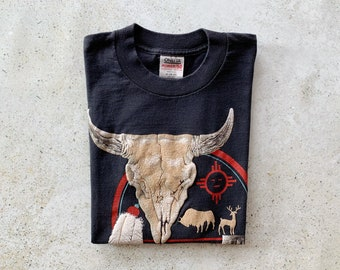 Vintage T-Shirt   WISCONSIN Boho Bohemian Cow Skull Top Tee Pullover Shirt   Size S/M