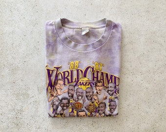 Vintage T-Shirt | LA LAKERS Tie Dye Top Tee Pullover NBA Caricature Purple Yellow | Size M