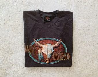 Vintage T-Shirt | HARLEY DAVIDSON Motorcycle Tee Top Shirt Pullover Cow Skull Feathers Black | Size L/XL