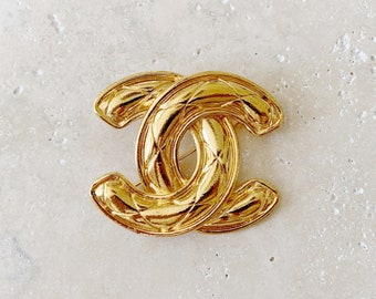 Vintage Brooch | CHANEL Jumbo Large Quilted CC Logo Monogram 80's Brooch Pin Gold