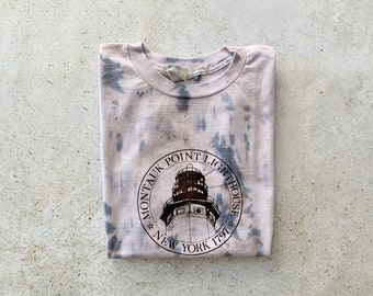 Vintage T-Shirt | MONTAUK Point Lighthouse Coastal Nautical Beach Shirt Top Tie Dye Blue Gray | Size M