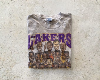 Vintage T-Shirt | LA Lakers Shirt 90's Caricature Top Shirt Pullover NBA Basketball Streetwear Gray Purple Yellow | Size S