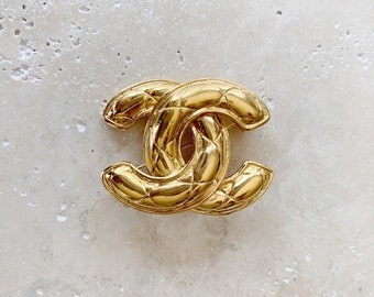 Vintage Brooch | CHANEL Gold Quilted CC Monogram Brooch Pin