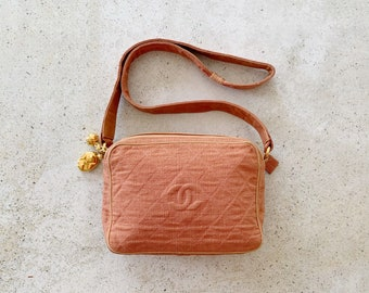 Vintage Bag | CHANEL Quilted Camera Matelasse Cotton Linen Shoulder Bag Purse 80s Neutral Earth Clay Peach
