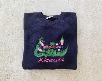 Vintage Sweatshirt   MINNESOTA WILDFLOWERS Raglan Pullover Top Shirt Sweater Botanical Floral Nature Boho Bohemian 80's 90's Blue   Size M/L