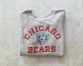 Vintage Sweatshirt   CHICAGO BEARS Football Sports Raglan Pullover Top Shirt Sweater Gray    Size M/L