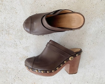 Vintage Shoes | CHANEL Leather & Brass Stud Clogs Mules Slides Brown | Size 36.5 EU / 5.5 - 6 US