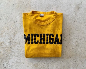 Vintage T-Shirt | MICHIGAN Graphic Letter Logo College University State Top Shirt Pullover Yellow Black | Size S/M