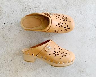 Vintage Shoes | CHANEL Turnlock Clogs Logo Monogram Cutout Floral Mules Heels Tan Sand Beige | Size 37 EU / 6 - 6.5 US