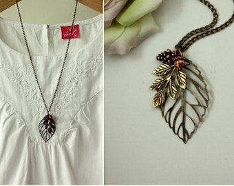 Acorn Pinecone Leaf Necklace, Leaf Necklace, Acorn Jewelry, Acorn and Pinecone Necklace Vintage Inspired Fall Rustic Necklace Christmas Gift