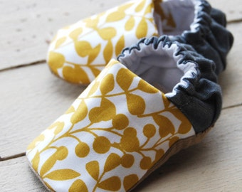 Mustard Leaf Reversible Baby Shoes