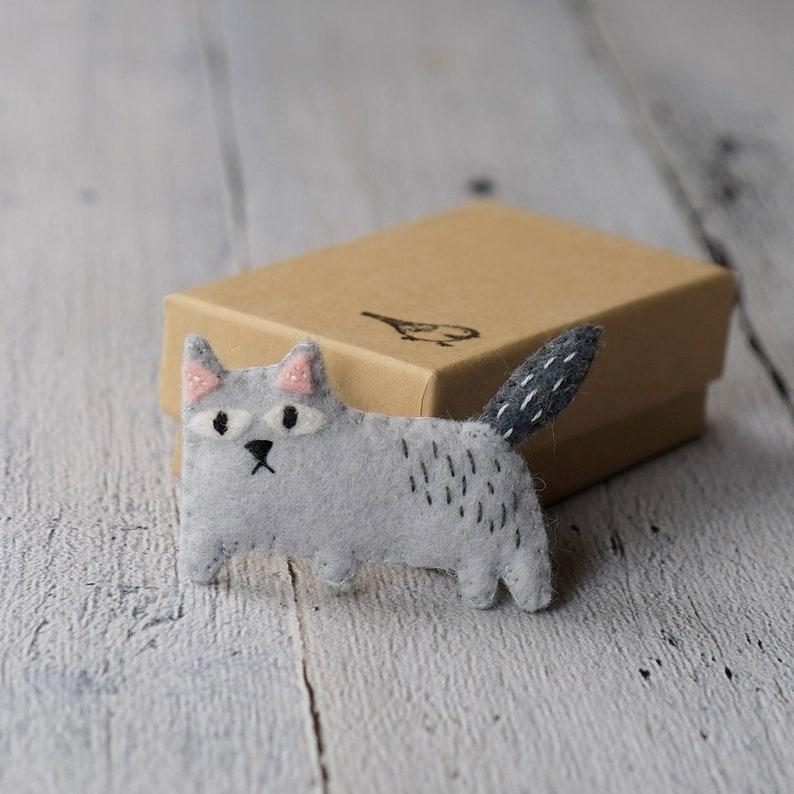 cat in a box image 0
