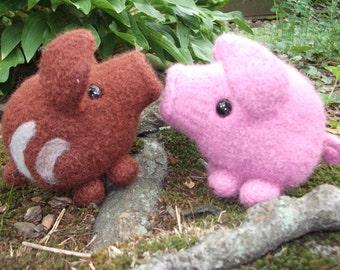 Pig stuffed animal, wild piglet plush, pig amigurumi, wild boar plush, knit pig plush, amigurumi boar, piglet stuffed animal, made to order