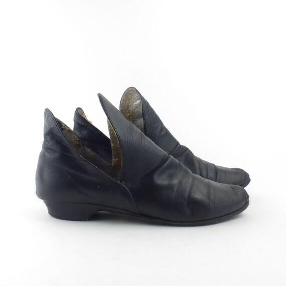 Black Mod Boots Vintage 1960s Leather Pixie Ankle