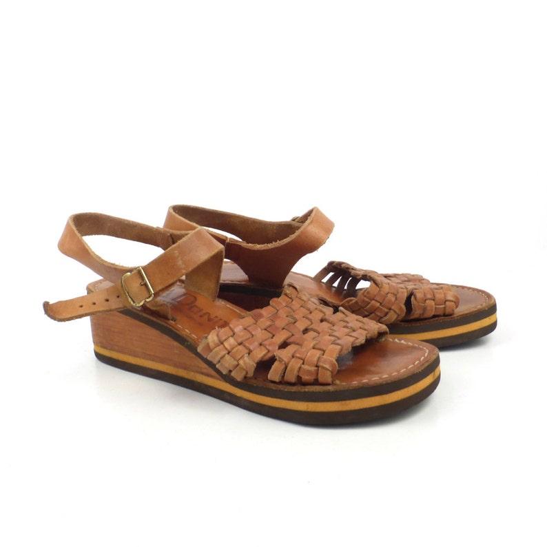 4c39613f6026b Wood Leather Sandals Vintage 1970s Heels La donita Brown Woven High Heel  Women's Size 7
