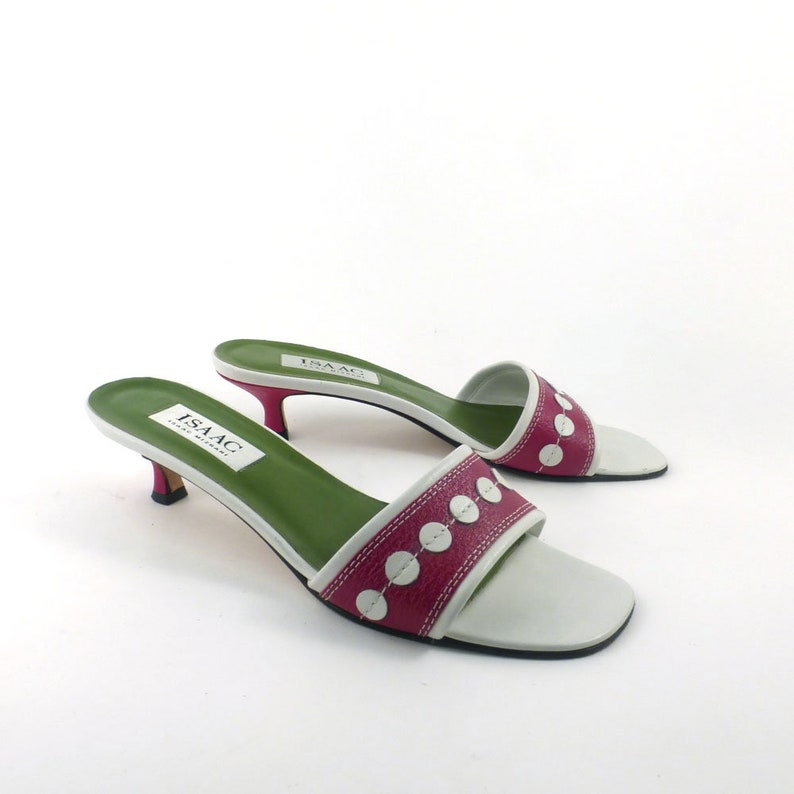 2e4fa158d2fa Kitten Heels Vintage 1990s Shoes Isaac Mizrahi Red and
