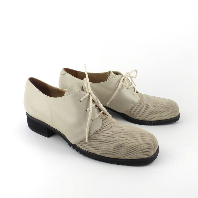 29bedc2e1e white Oxford Shoes Vintage 1990s Off White Leather and Fabric Women's size  8 1/2