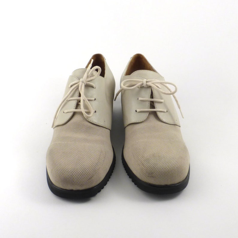 white Oxford Shoes Vintage 1990s Off White Leather and Fabric Women/'s size 8 12
