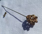 antique crown ruby red jewel ornate filigree gold tone Hat Pin