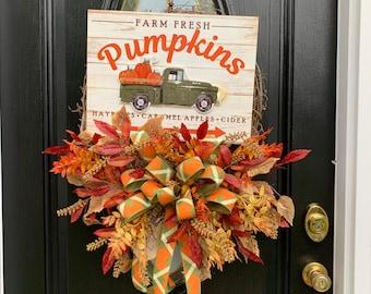 Large Fall Truck Wreath for Front Door, Autumn Welcome Wreath, Thanksgiving Home Décor, Elegant Wreaths for Door