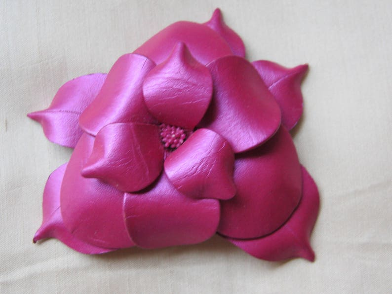 Vintage Matching Hot PinkFuchsia Leather Pierced Earrings and Brooch