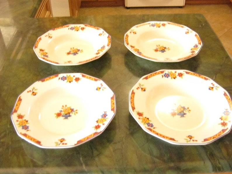 Set of Four Vintage Empire Ivory Ware Soup Plates or Bowls on Sale