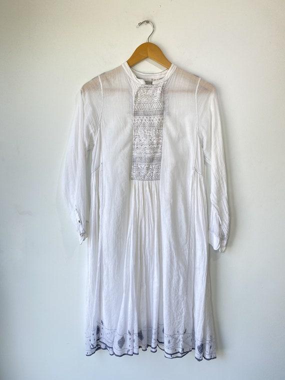 Injiri White Embroidered Dress - image 1