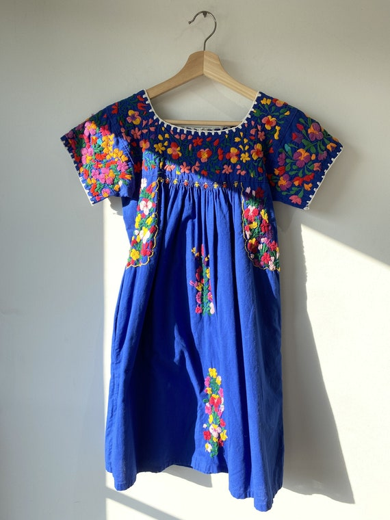 Vintage Embroidered Mexican Mini Dress
