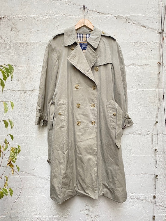 Classic Vintage Burberry Trench Coat