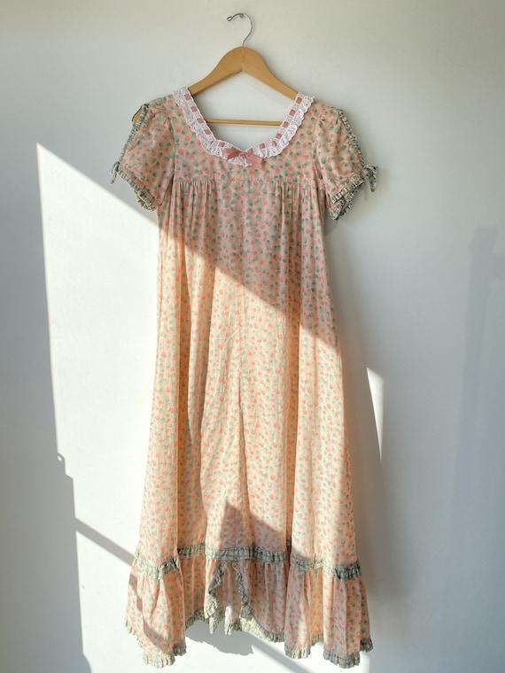 Vintage Floral Prairie Maxi Dress