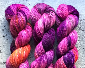 Hand Dyed Merino Single Ply Fingering Yarn - SOUR GRAPES