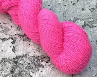 HOT HOT PINK - 80/20 Merino Sock Hand-dyed Yarn - uv reactive