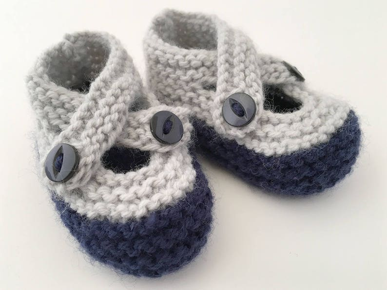 Learn how to knit slippers and make slippers for the whole family!