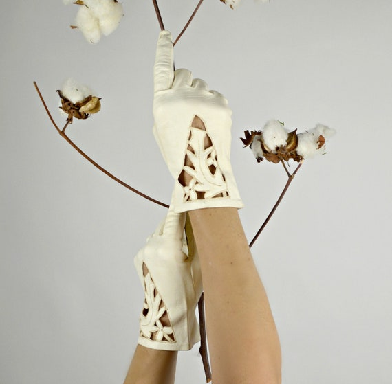 White Leather Gloves, Cut Work, Kid Leather, Wrist
