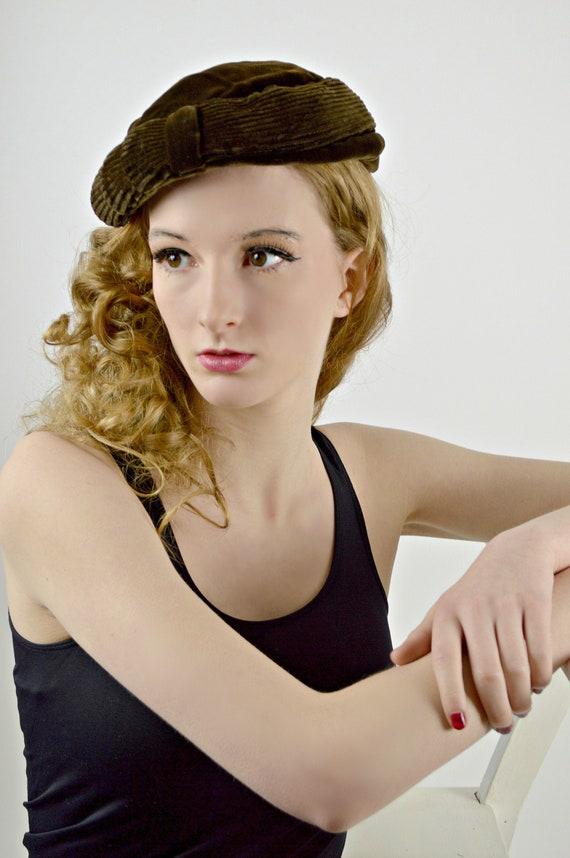 Vintage Velvet Beret,  Womens Tam, Fall Winter, 19