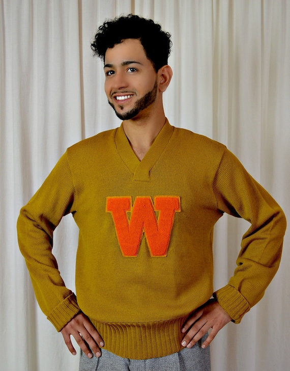 Mens Vintage Football Sweater Letter Sweater Wisconsin  88a58f473a31