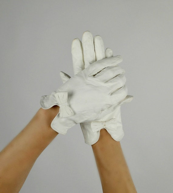 White Leather Gloves, Kid Skin, Gloves with Bows,