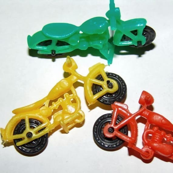 1960s Groovy Gum Machine and Circus Clip Pendant HELICOPTER