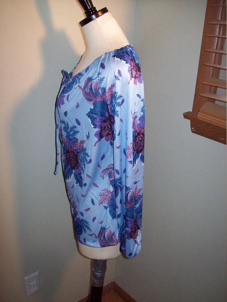 Vintage 60s 70s Blue Spring Flowers Floral Print Womens Boatneck Shirt Top  Mod Soho Boho Groovy Flower Power Disco Long Sleeve Blouse