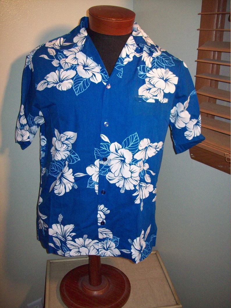 c71ec5f9 Vintage 70s 80s Hilo Hattie's Royal Blue White Hibiscus Hawaiian Aloha Shirt...  Vintage 70s 80s Hilo Hattie's Royal Blue White Hibiscus Hawaiian Aloha Shirt  ...